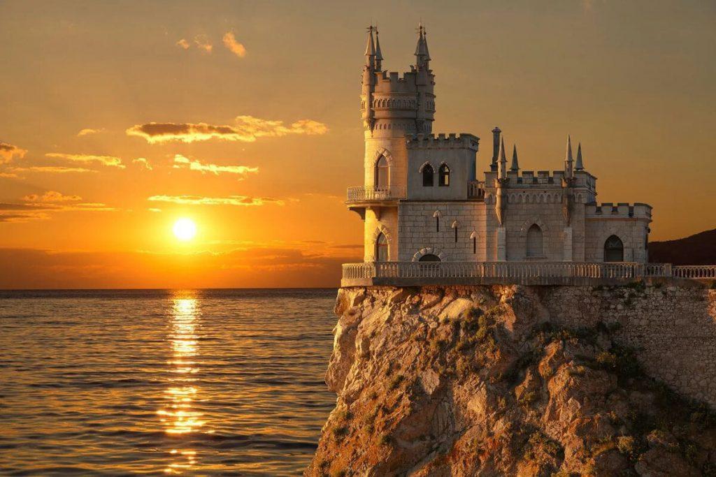 Сезонная работа в Крыму с проживанием на лето 2020